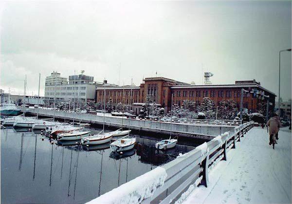 旧庁舎全景冬景色