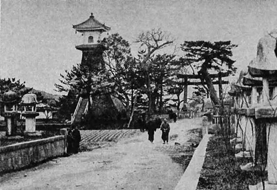 讃岐琴平町高灯籠
