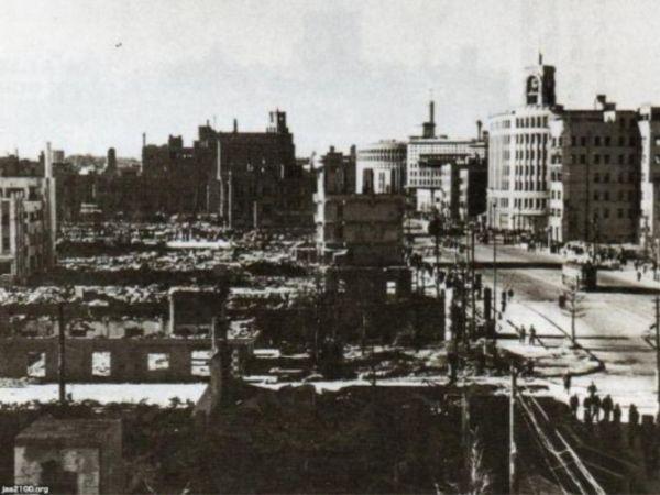 銀座通り 廃墟となった服部時計店界隈(4丁目)