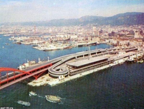 第四突堤・神戸ポートターミナル