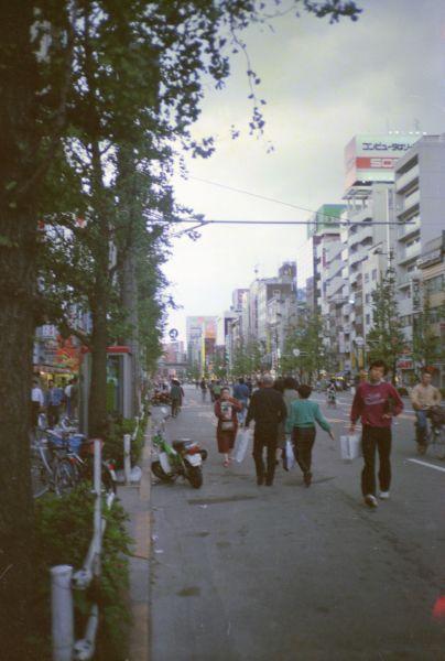 秋葉原(東京メトロ末広町駅)付近から南方向を撮影