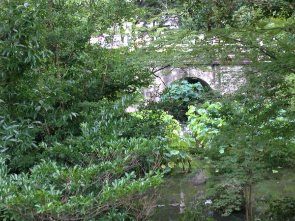 大谷本廟の円通橋